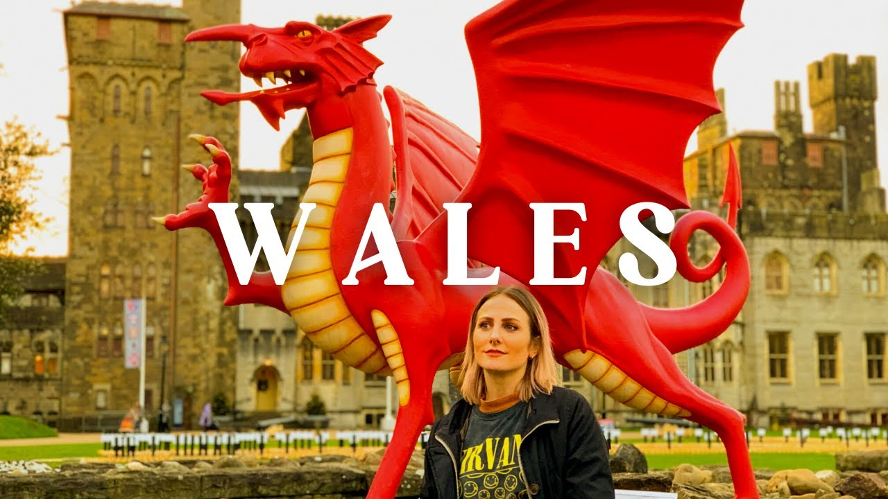 BEST Holiday Trips in UK || Bath & Wales (Castles, Xmas Markets, Cotswolds)