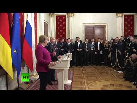 Putin and Merkel meet reporters after talks in Moscow [STREAMED LIVE]