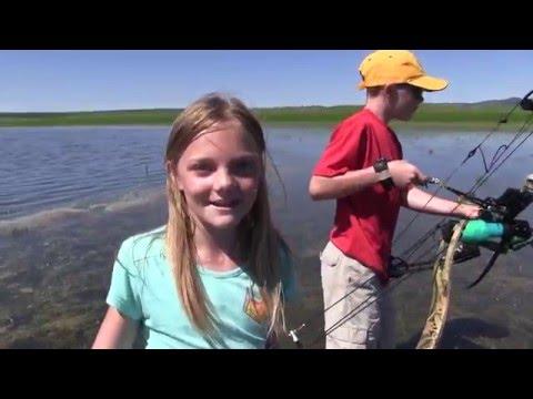 Kids Bowfishing For Carp