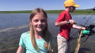 Kids Bowfishing for carp