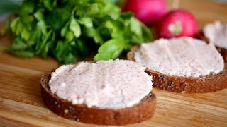 """Обалденно вкусная и простая намазка на хлеб к чаю. Закуска """"Селедочное масло"""""""