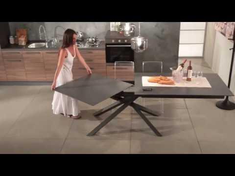 Tavolo Da Pranzo Allungabile Vetro.Tavolo Allungabile Da Pranzo In Vetro E Metallo Tristano Youtube