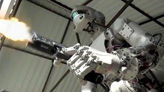 Militär bringt Roboter das Schießen mit Waffen bei & Facebook will gegen Skandalvideos vorgehen