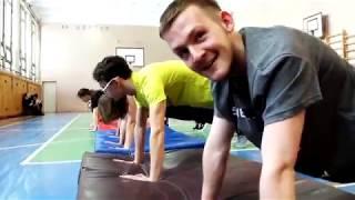 Анатолий Чиканчи провел урок физкультуры в сыктывкарской школе