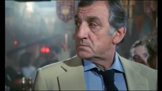 Espion, lève-toi (1982) - Un gin tonic