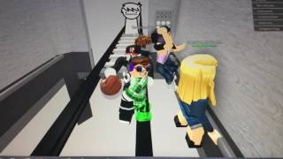 Ascenseur normal Roblox /CRAZY!/ GaberGamerTV
