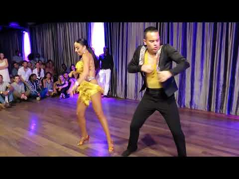 Adriano & Samantha (World Salsa Champions) at the Bachata Invasion Social on August 11 2018