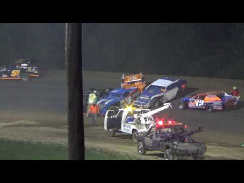 Open Modifieds Feature  Race at Crystal Motor Speedway, Michigan on 09-04-16.