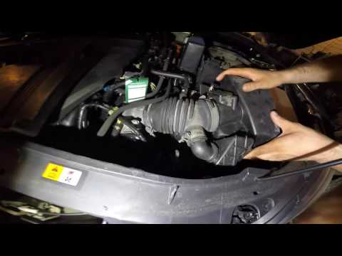 Замена воздушного фильтра Mazda 3 2.0 литра