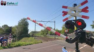 Spoorwegovergang Helvoirt 😍4K😍 //Dutch railroad crossing