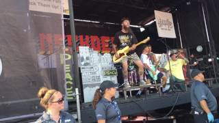 Neck Deep - Can't Kick Up the Roots (partial) Warped Tour 2017