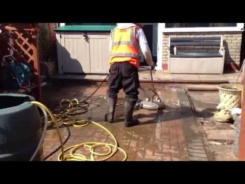 Jetwash drives midlandsspeacialist in driveway and patio cleaning