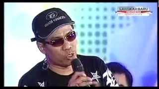 Download Video Duet Abdel Gitar Temon Nyanyi Stand Up Comedy Saingan Mudy Taylor MP3 3GP MP4