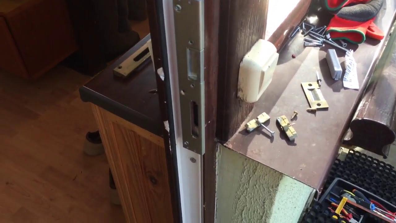 Дверные ручки, замки, комплектующие и аксессуары, фурнитура для дверей. Дверные ручки на планке с механизмом для входных дверей. 11. Купить товары из подотдела