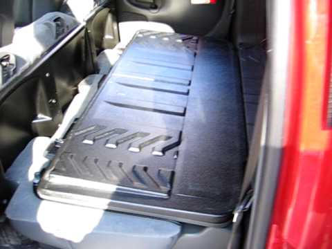03 chevy avalanche sound system install part 2 youtube. Black Bedroom Furniture Sets. Home Design Ideas