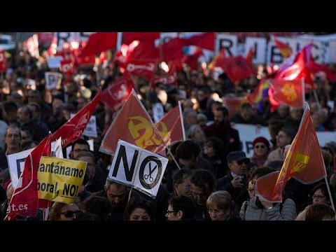 Spain News - Anti austerity protest attracts thousands