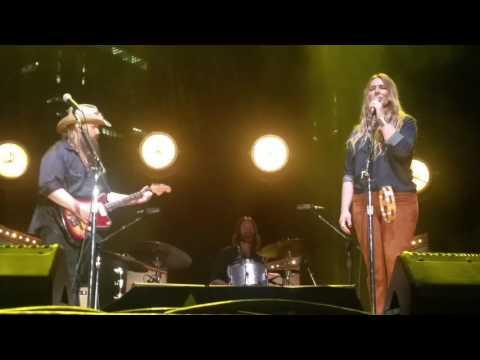 Morgane Stapleton (and Chris Stapleton) - You Are My Sunshine (10/14/2016) Nashville, TN