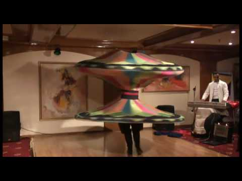Egyptian Dancer Spins Continuously For 4 Minutes - Tannoura Dance