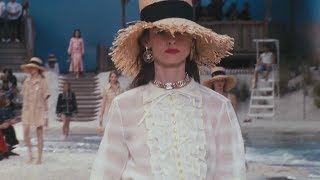Baixar Chanel Spring Summer 2019 Paris show by the sea
