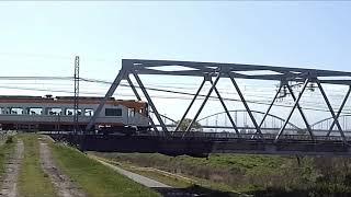 近鉄電車名古屋線塩浜駅付近「鉄橋」通過電車