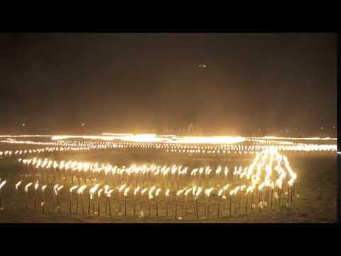 Weltrekord! Universal Channel entzündet in Vaterstetten bei München das größte Feuermosaik anlässlich der deutschen TV-Premiere der  3. Staffel von Chicago Fire