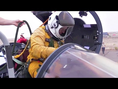 U-2 Spy Plane Pilot Prep + Takeoff And Landing