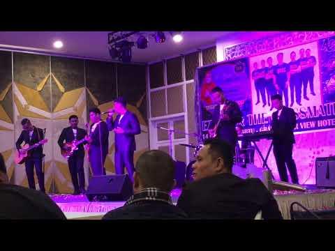 Ezzrin and The Classmates - Segenggam Rindu ( Live ) Di majlis pelancaran single kedua