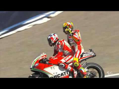 Valentino Rossi Gets A Lift From Team-mate Nicky Hayden