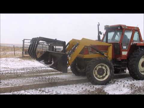 Hesston 1380DT MFWD tractor for sale | sold at auction April 23, 2014
