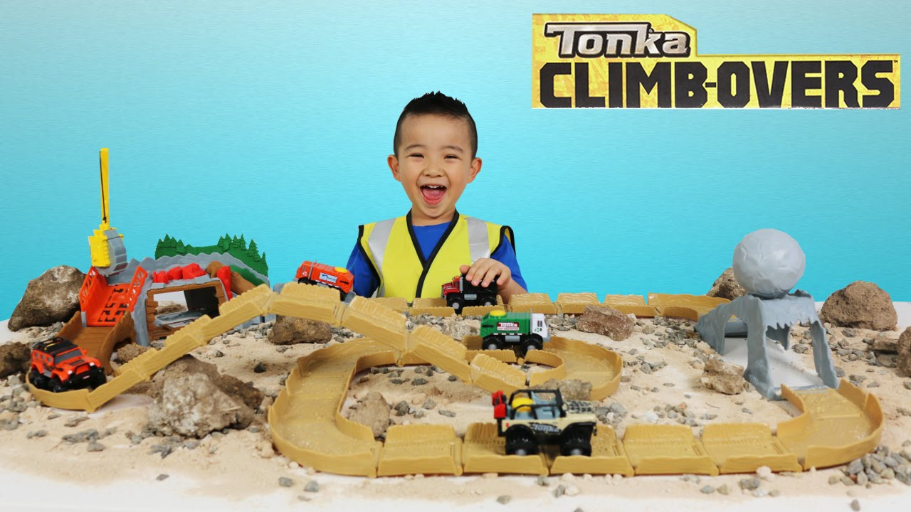 Tonka Climb Overs Ripsaw Summit And Boulder Escape