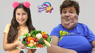 Maria Clara ensina o JP a comer e a se exercitar bem ♥Maria teaches JP to eat and exercise properly
