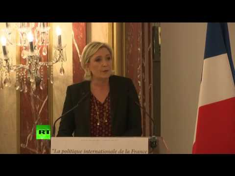 Conférence de presse de Marine Le Pen sur sa vision de la politique internationale (Direct du 23.02)