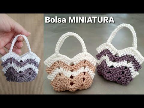 Bolsa de crochê miniatura - MODELO FAMOSO