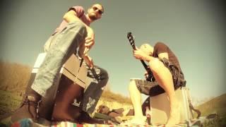 Flirt in Lust - Pearl Black; cajon brush beat & acoustic guitar session