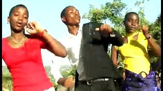 Yesu msalaba wangu Official Video by Upendo choir