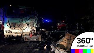 Смотреть видео Страшное ДТП в Чувашии, восемь погибших в маршрутке