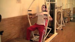 Brustmuskeltraining für deine Brustmuskeln an der Brustpresse