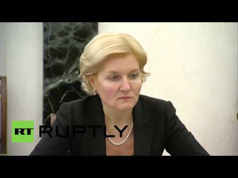 Russia: Shuvalov briefs Putin on progress of 2015 anti-crisis measures