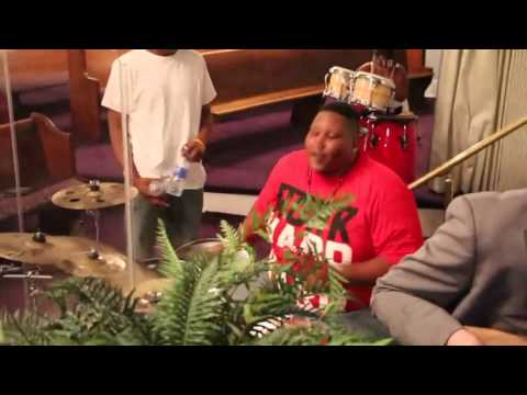 Jabari Hill, Michael Morris, Ashley Morris, And Chris Harrison Play Shout Music