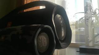JBL BoomBox amp JBL Charge 4 - Bass Test