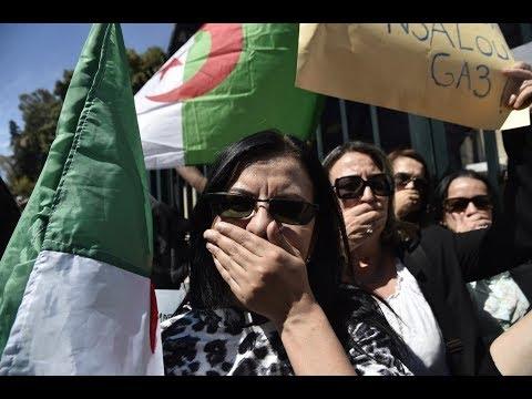 دعوات لإضراب مفتوح في الجزائر  - 11:55-2019 / 4 / 16