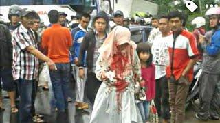 Video INALILLAHI ! Tabrakan Beruntun di Bangbayang Cianjur - Truk vs Bus vs Sedan download MP3, 3GP, MP4, WEBM, AVI, FLV September 2018