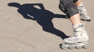 How to Rollerblade Backwards | Roller-Skate