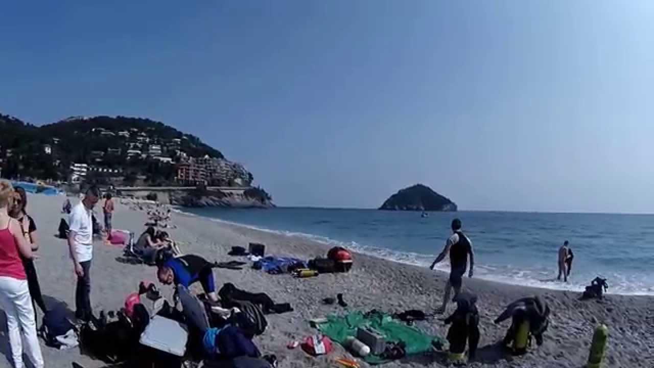 Matrimonio Spiaggia Bergeggi : Bergeggi spiaggia libera youtube
