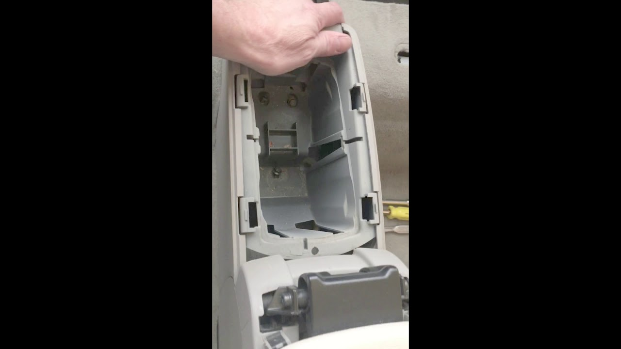 Andys Diy 2009 Volvo C70 Rear Carpet Console Removal Youtube Convertible Fuse Box