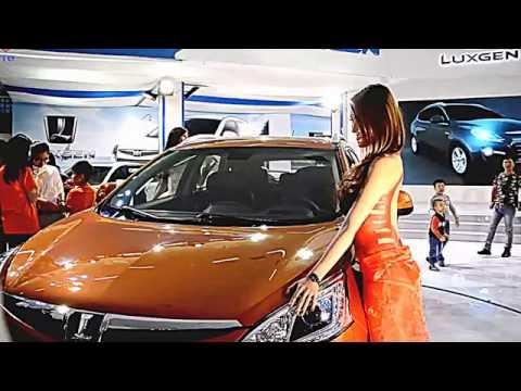 hieutm - miss vietnam vs car - american girl