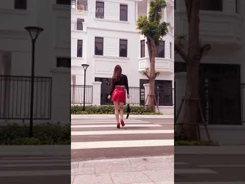 Gái Xinh đi Qua đường Bị Tụt Váy đỏ