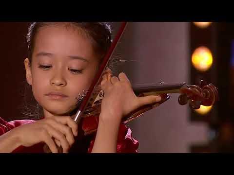 Himari Yoshimura (8 years old) 吉村妃鞠 - Sarasate: Zigeunerweisen [2019]