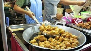 Bangkok by Night. Bites of Thai Street Food.