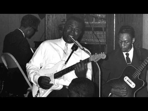 Howlin' Wolf - I Asked For Water (She Gave Me Gasoline)